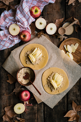Spelt apple galettes (unbaked)