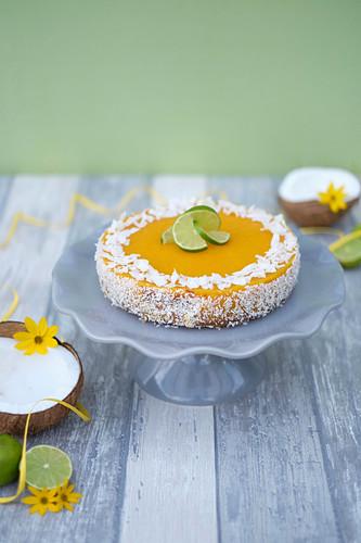Mango-Cheesecake mit Limette und Kokos