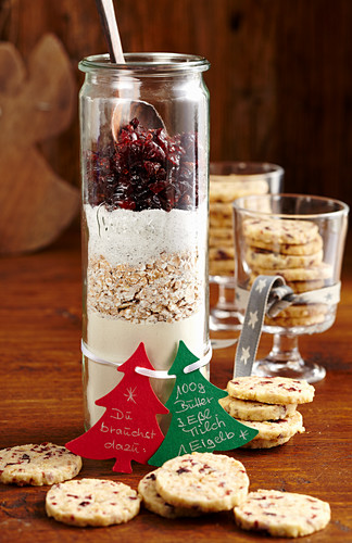 Cranberry cookies and baking mix in a glass (Christmas gifting)