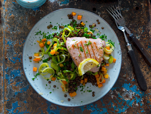Tuna fish steak on a lentil medley