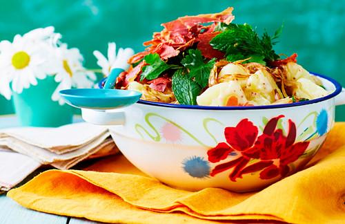 Kartoffelsalat mit Prosciutto