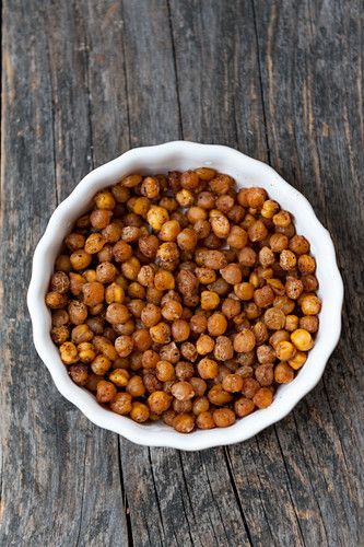 Spicy, oven-roasted chickpeas