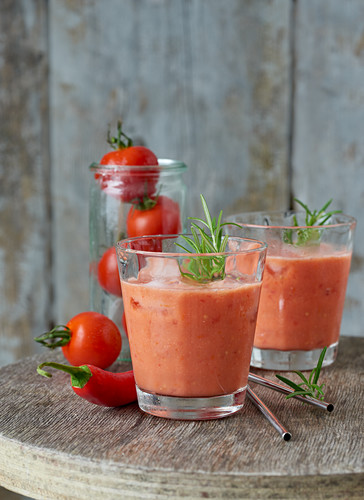Tomato smoothie with rosemary and chilli