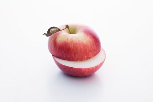 Spartan, halbiert (Apfelsorte)