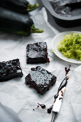 Vegan courgette brownies