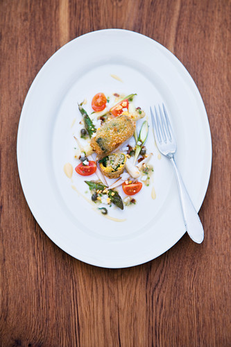 Baked zander croquettes with asparagus