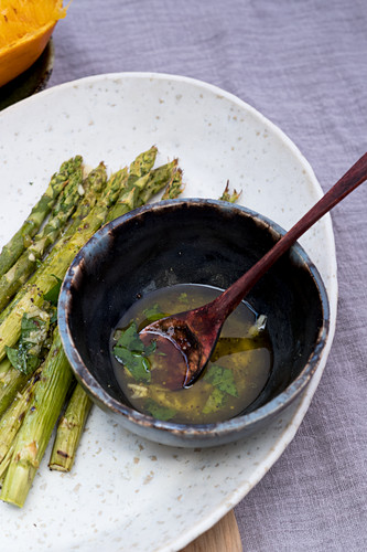 Dressing for the asparagus with orange juice