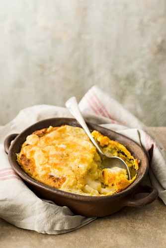 Sweetcorn and maniok gratin with cheese