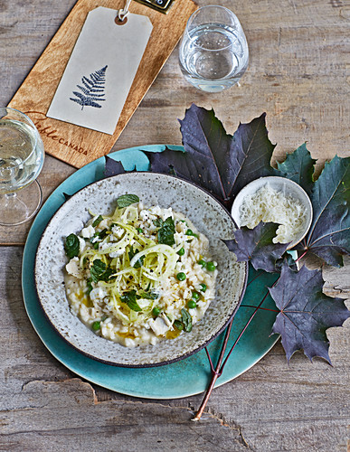 Risotto with fennel, peas, goat's cream cheese and mint