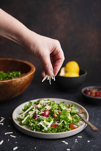Kale salad with grapes and parmesan