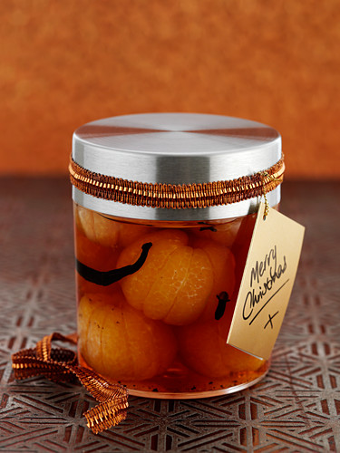 Clementines in vanilla brandy syrup as Christmas present