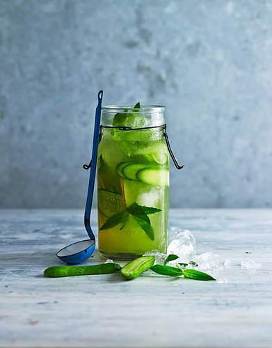 Cucumber iced green tea