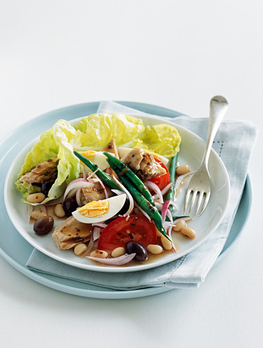 Salad nicoise with tuna