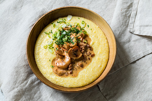 American grits with cheese, bacon and prawns