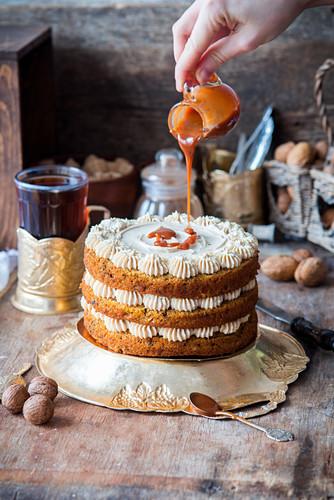 Carrot cake with carramel cream cheese cream