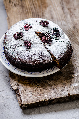 Blackberry pie and icing sugar