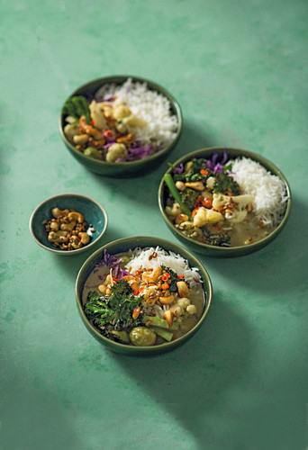 Thai green curry with winter greens and cashew nuts