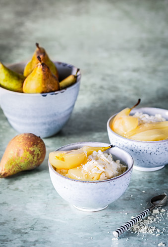 Rice pudding with pears and white chocolate