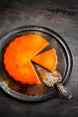 Crème caramel tart