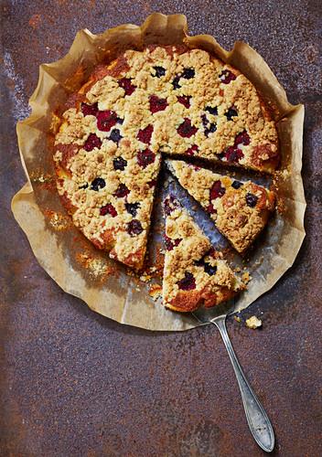 Raspberry crumble cake, sliced