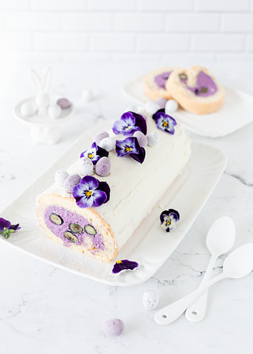 Blueberry Swiss roll with pansies