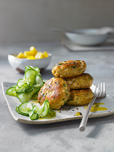 Chicken meatballs with parsley and cucumber salad