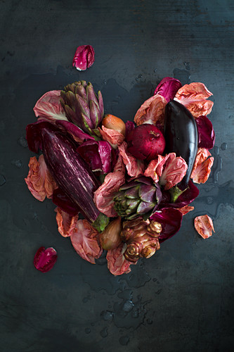A heart made from radicchio, aubergines, artichokes, Jerusalem artichokes and a pomegranate