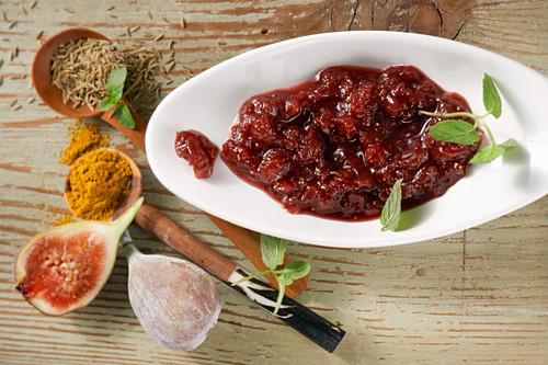 Fig chutney with curry powder, cumin and balsamic vinegar Bianco