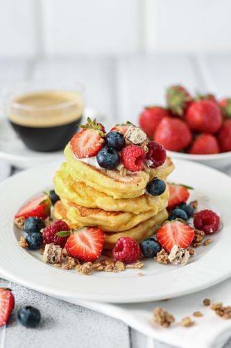 Quark pancakes with berries