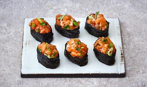 Gunkan sushi with salmon tartare