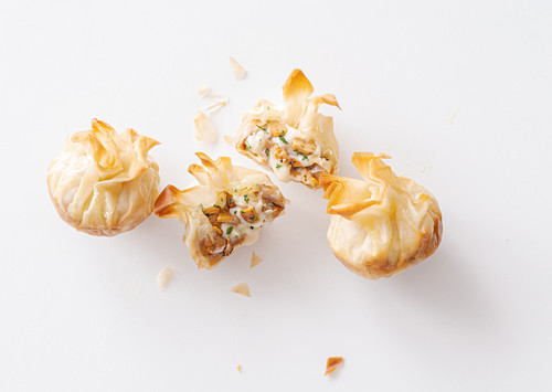Crunchy filo pastry with chanterelle cheese filling