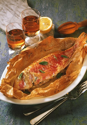 Triglie ripiene al cartoccio (Red mullet baked in paper)
