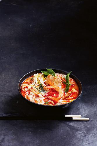Spicy chicken and prawn laksa