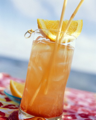 Planter's Punch with Orange Wedge
