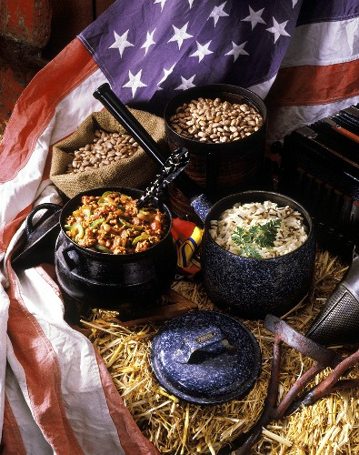 Chili con carne & long-grain wild rice; beans & US flag