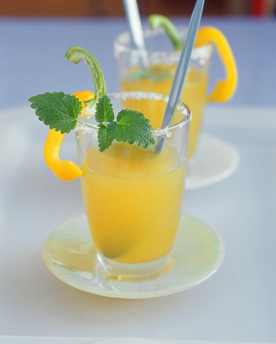 Savoury drink with pepper and celery
