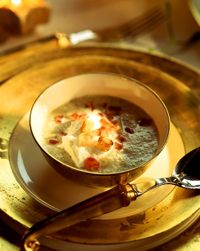 Champagne soup with cream