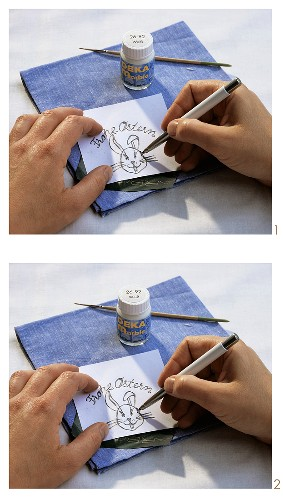 Painting napkins with Easter motifs