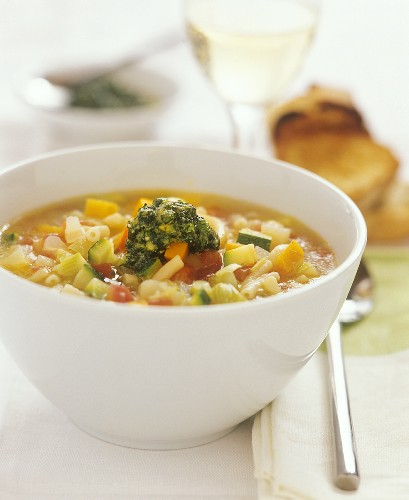 Minestrone con pesto (Vegetable soup with pesto, Italy)