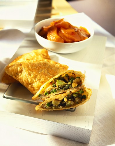 Broccoli and vegetable parcels with carrots