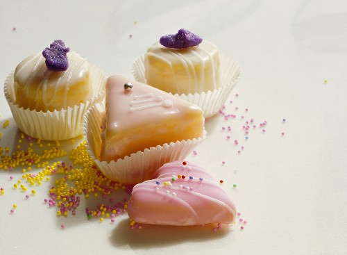 Iced petit fours