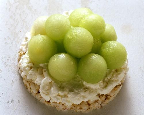 Rice waffle with honeydew melon balls & low-fat quark