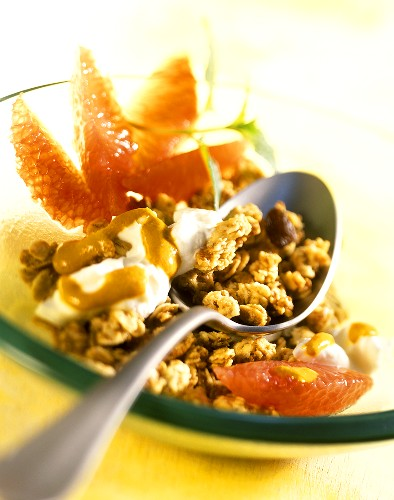 Cluster muesli with apricot yoghurt and pink grapefruit