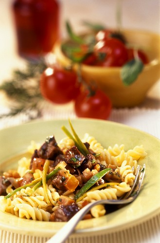 Fusilli al ragù d'agnello (Pasta with lamb & vegetable ragout)