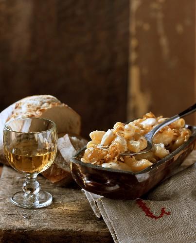 Aelpler Magroone: macaroni and potato dish from Switzerland