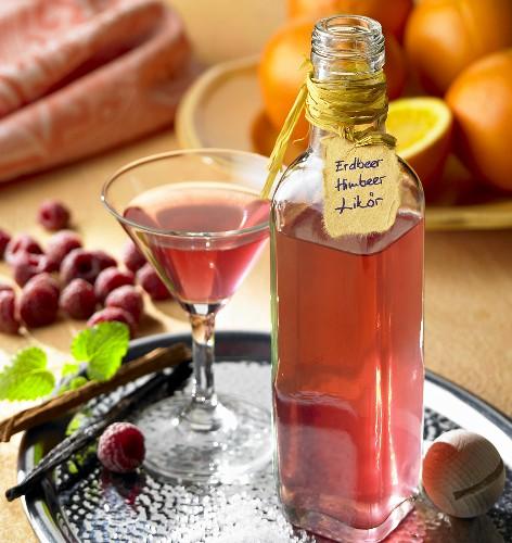 Strawberry and raspberry liqueur