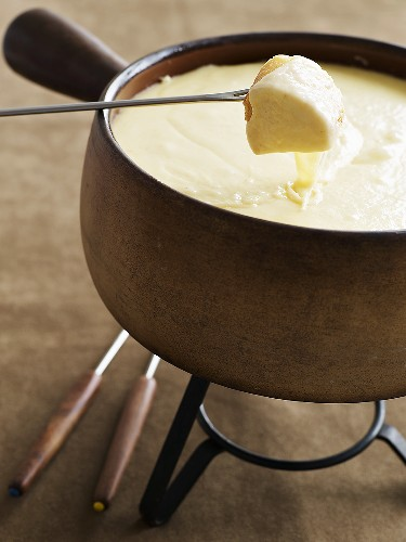 Swiss cheese fondue with bread