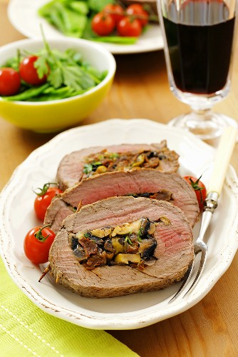 Beef fillet stuffed with mushrooms and dried tomatoes