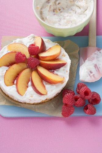 Quark cake with peaches