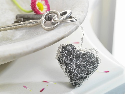 Stone heart encased in crocheted silver wire (keyring)